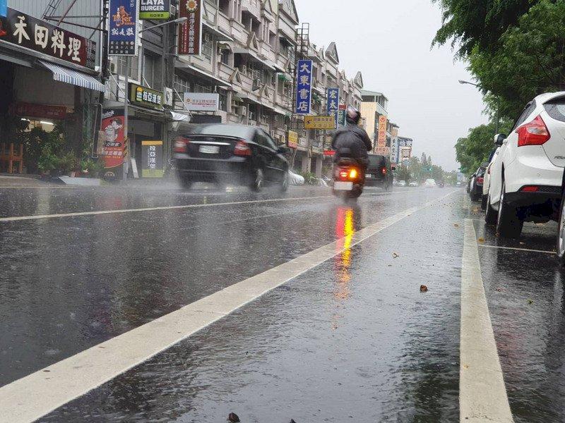 氣象局今年首次大規模豪雨作業 9縣市防強降雨