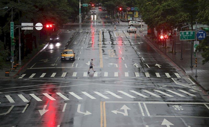 滯留鋒面影響全台有雨 南部留意劇烈降雨
