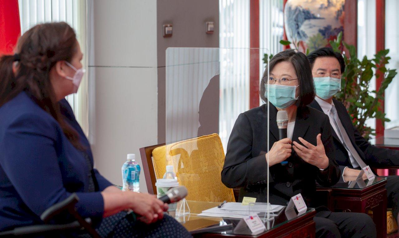 接見來訪美參議員 總統:受贈疫苗是及時雨 台灣會銘記在心