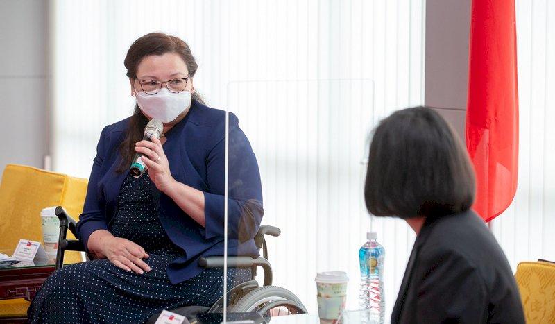 訪台參議員達克沃絲:美國不會拋棄台灣