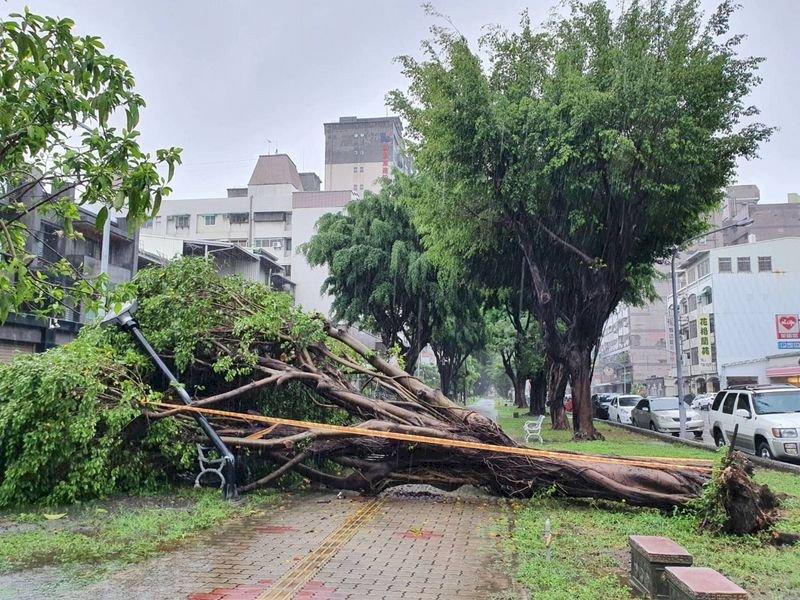 中南部5縣市大雨特報 午後各地山區防雨襲