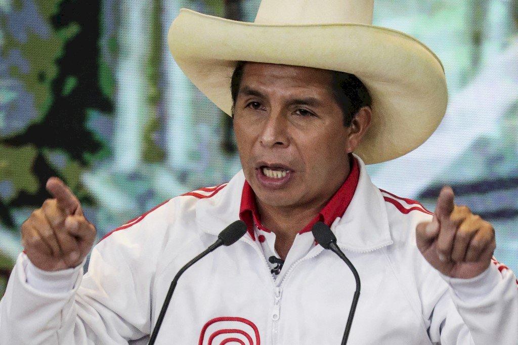 祕魯左派當家 農村教師自行宣佈當選總統