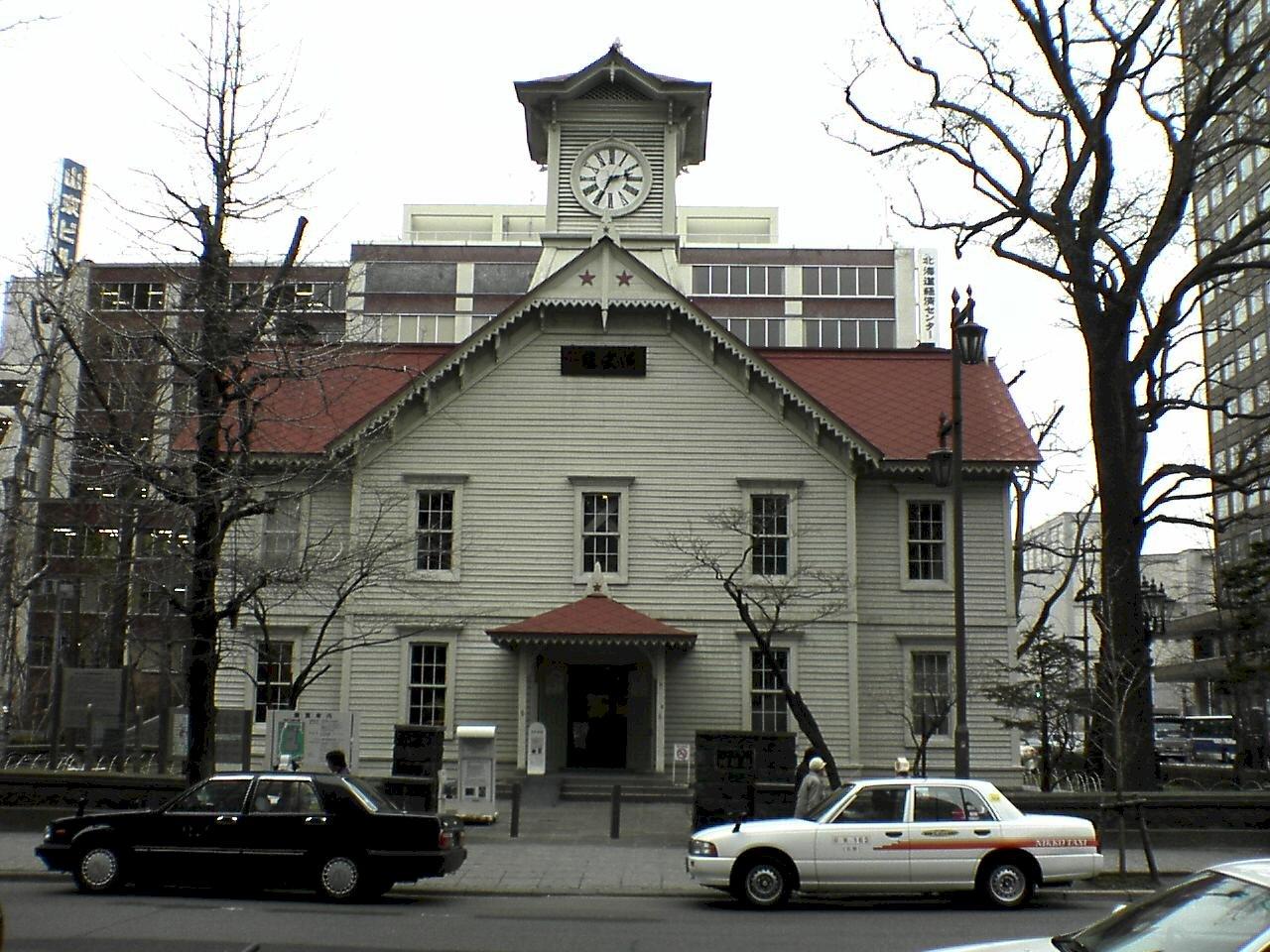 日本「最古老鐘樓」之爭!札幌比豐岡早27天
