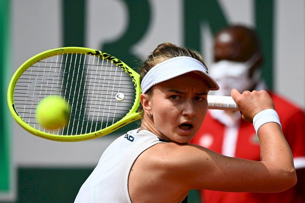 卡雷茨科娃法網女單奪冠 捷克40年來第一人