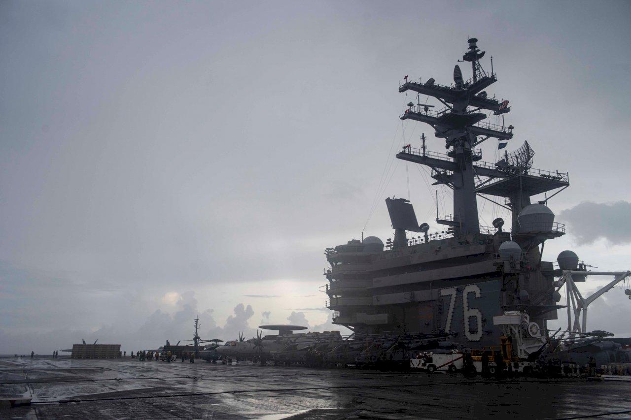 美海軍:雷根號航空母艦群在南海操演
