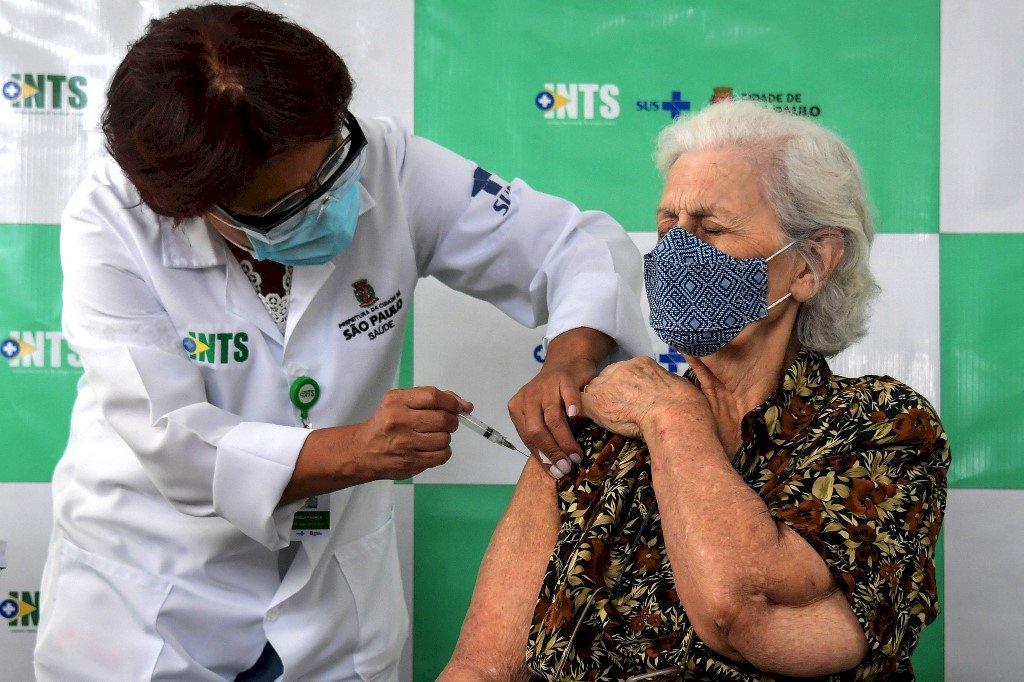 巴西聖保羅年長者接種疫苗 住院及死亡率大降