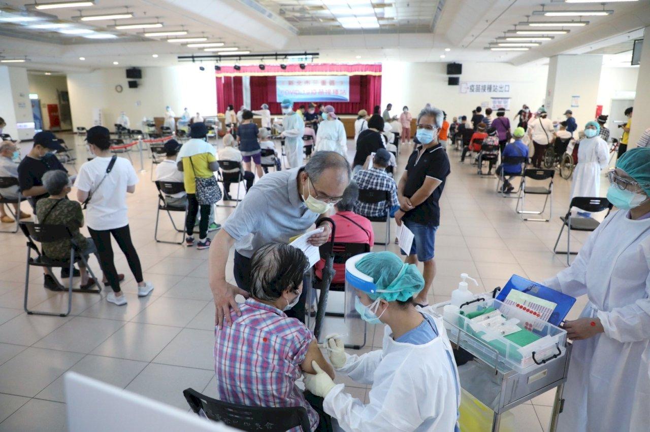 昨天全台11.7萬人接種疫苗 低於開打首兩日逾14萬人