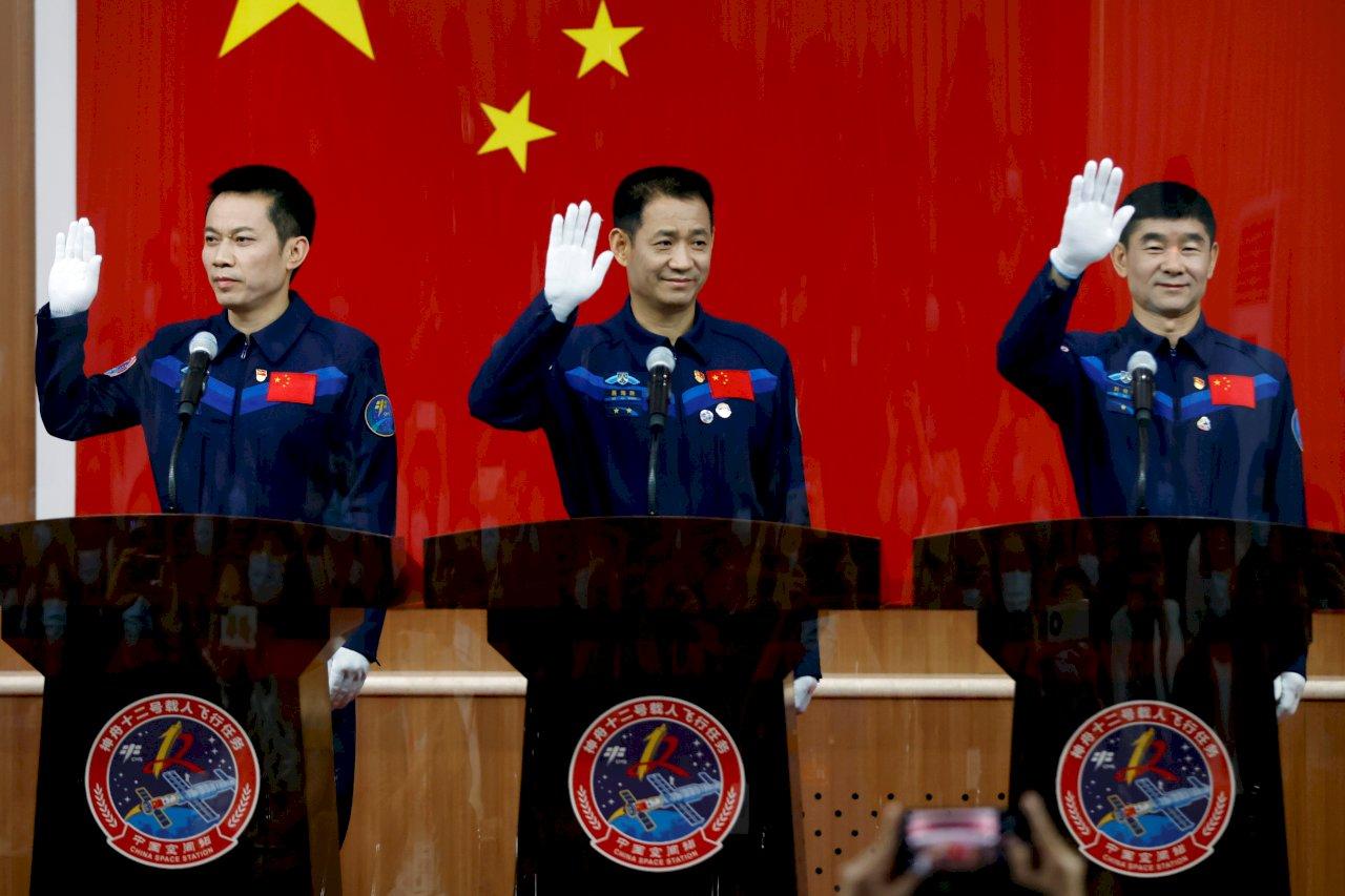 中國5年來首次載人任務 56歲太空人寫紀錄