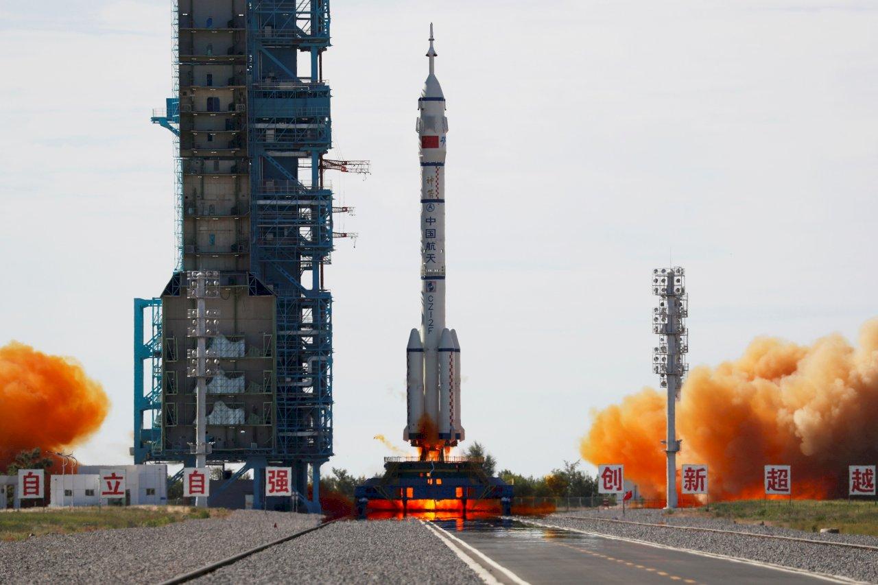 中國發射神舟12號載人太空船