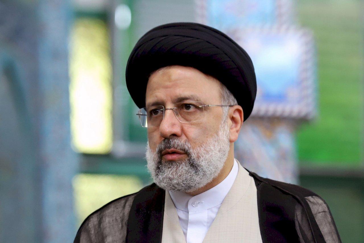 伊朗總統宣誓就職 誓言不對壓力與制裁屈服