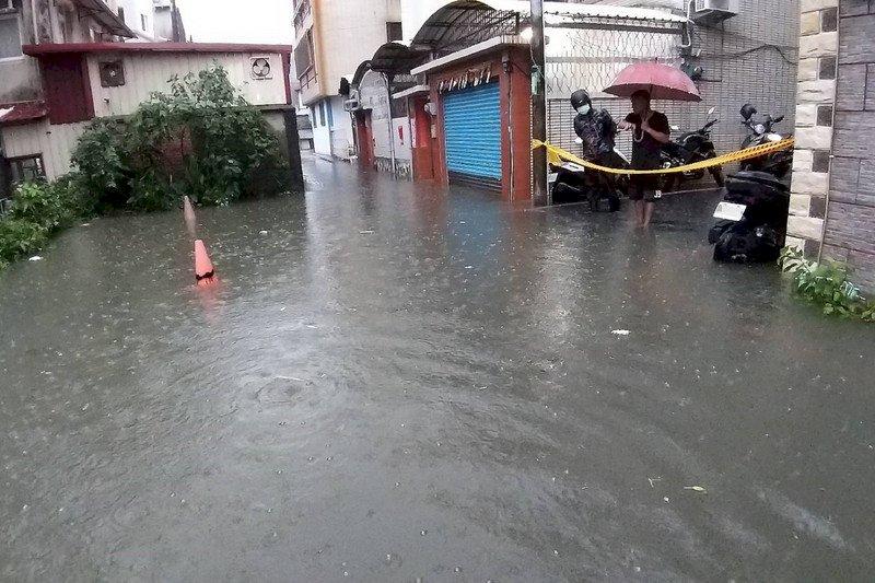 中南部今明大雨特報  未來一週梅雨鋒面到防劇烈天氣
