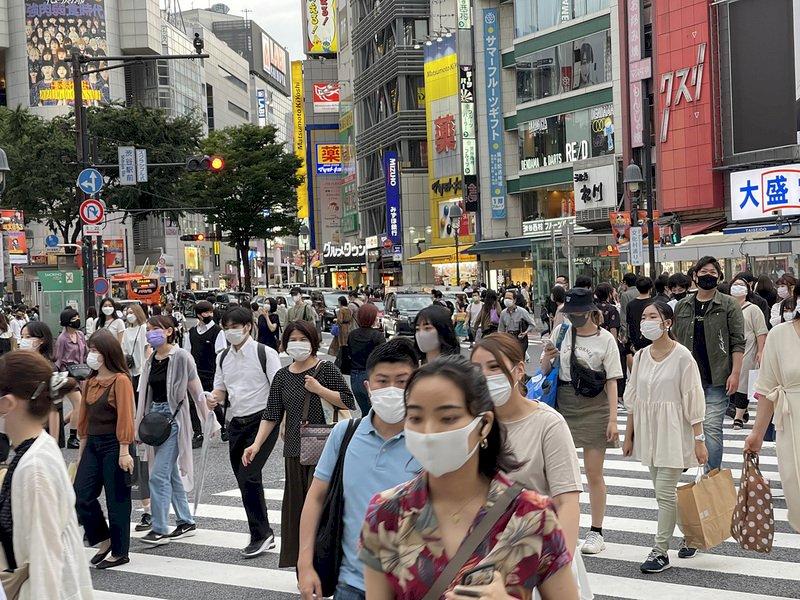 東京壯年及中年重症患者增 專家籲推動疫苗接種