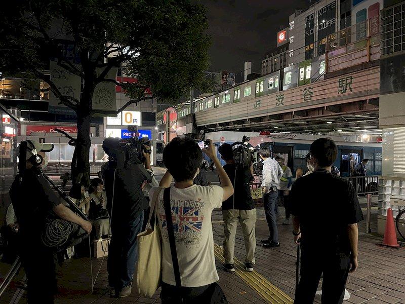 供電系統當機 東京交通大動脈JR山手線停駛