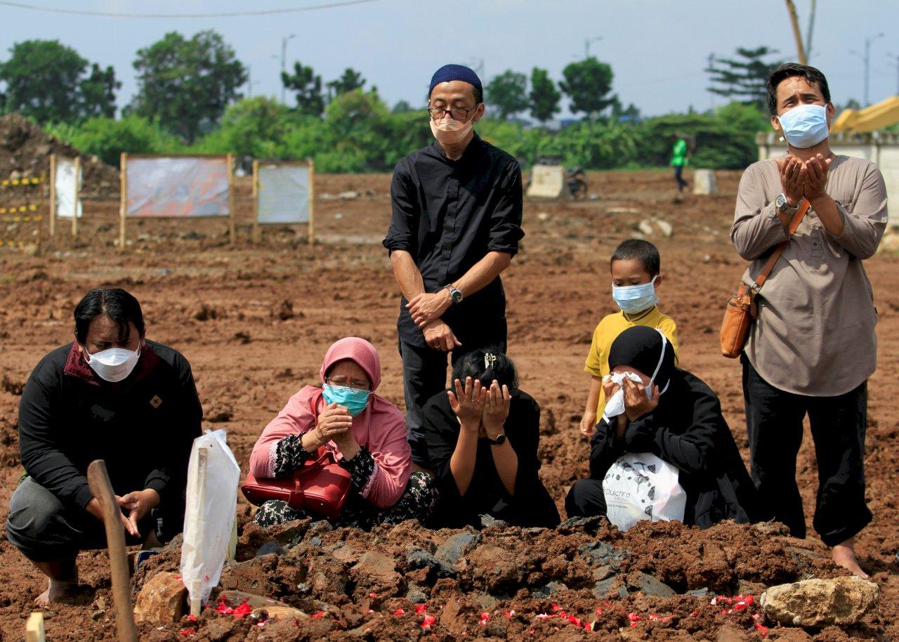 紅十字會:印尼COVID-19疫情處於「災難」邊緣