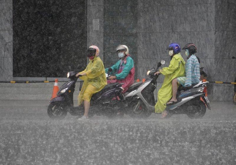 天氣仍不穩各地有雨 南部及午後山區局部大雨