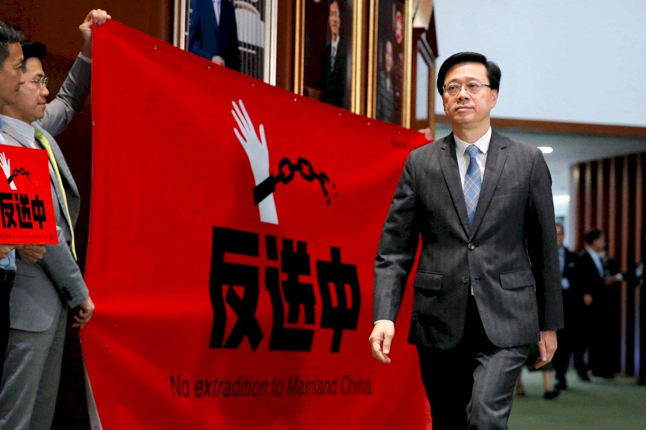 強硬對付反送中 香港保安局長李家超升政務司長