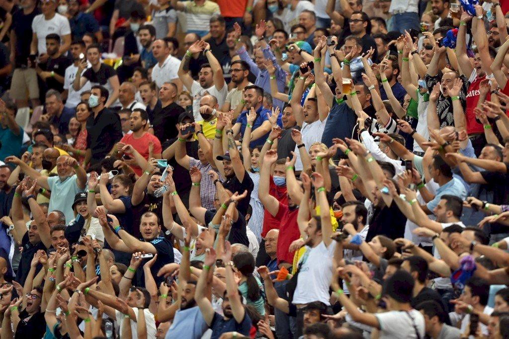 地表最恐怖群聚!專家憂擋不住的歐洲盃瘋狂球迷恐重燃疫情