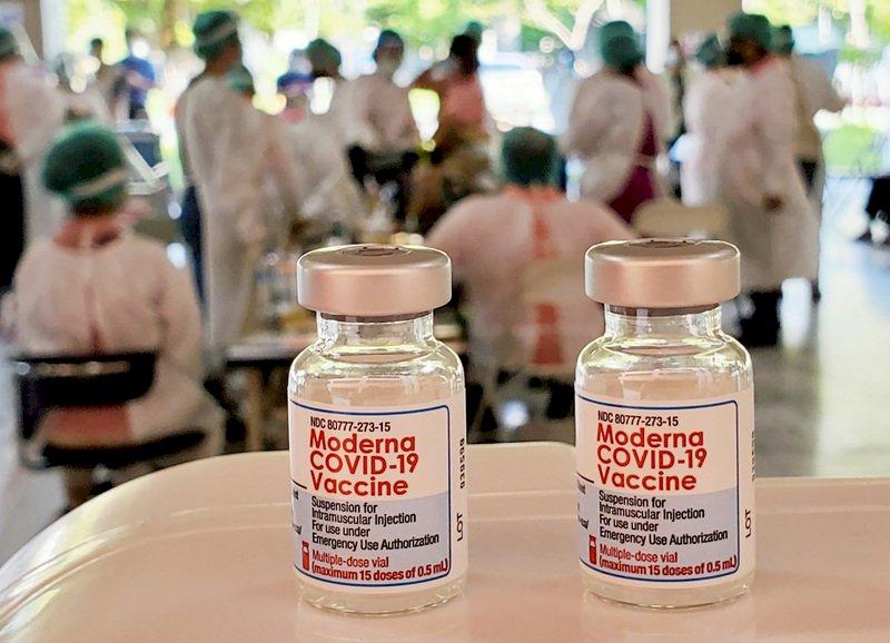 加碼釋出莫德納疫苗 開放預約1天逾4.6萬人搶約