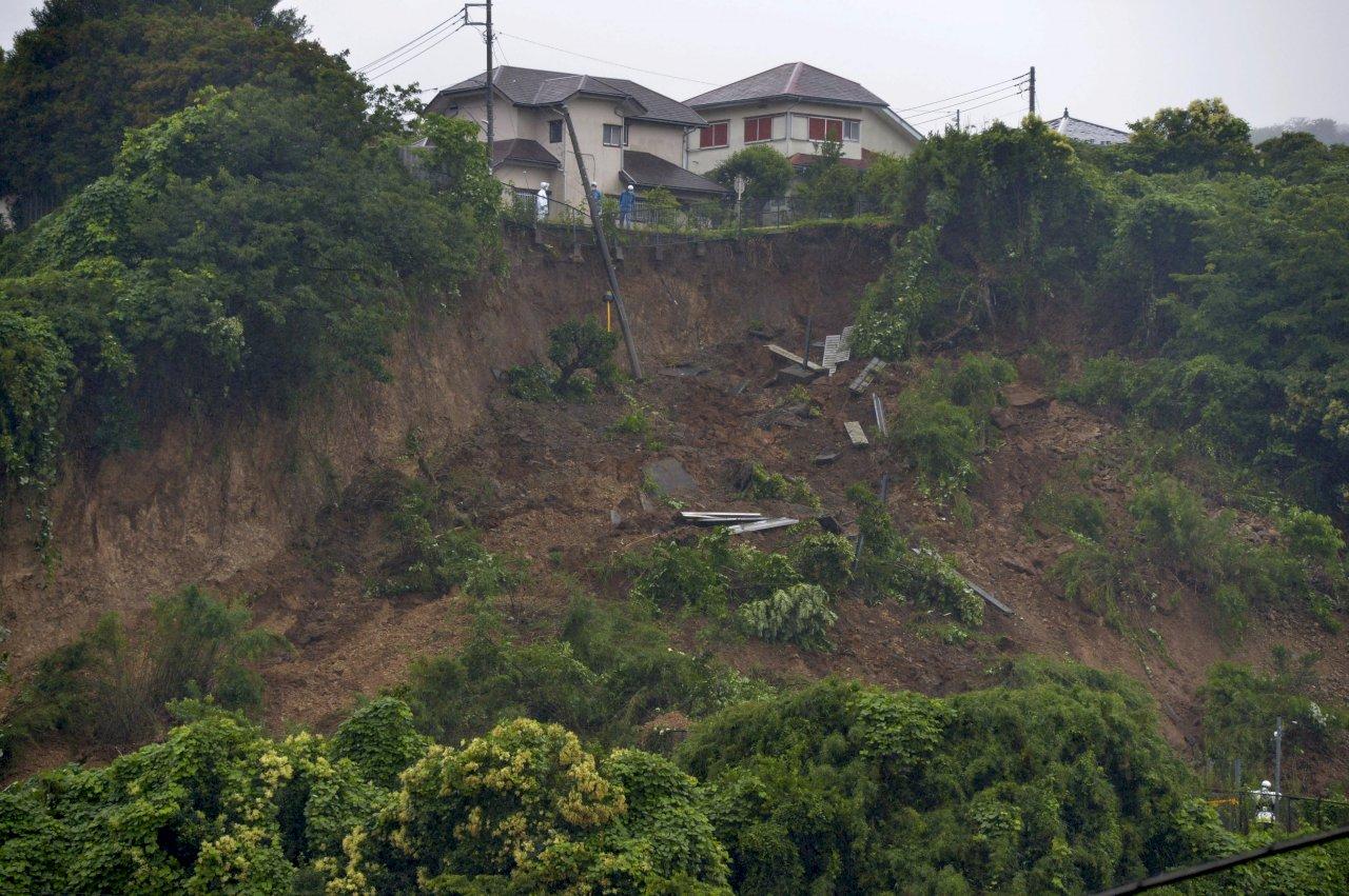 日本靜岡土石流仍有20人失聯 搜救工作恢復