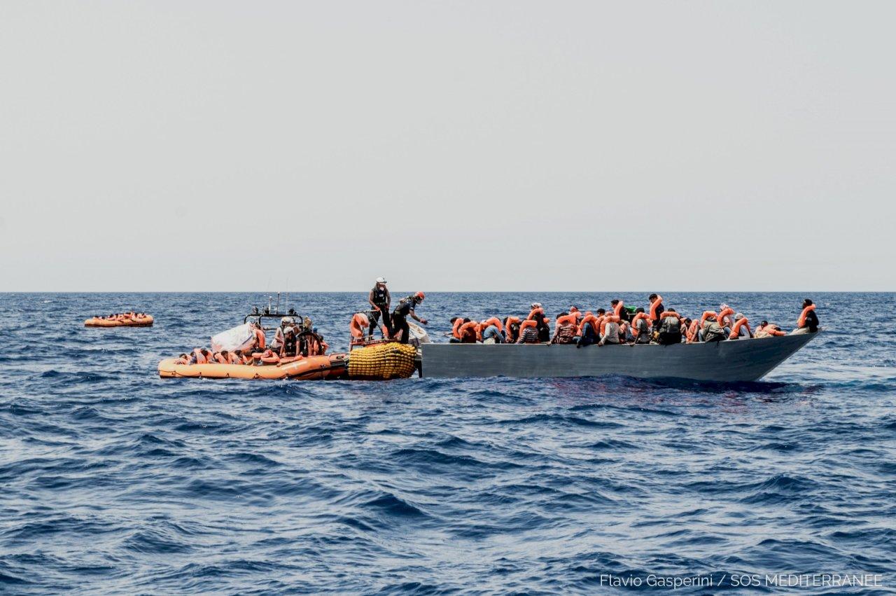 非洲與中東移民湧入 200多人在地中海獲救