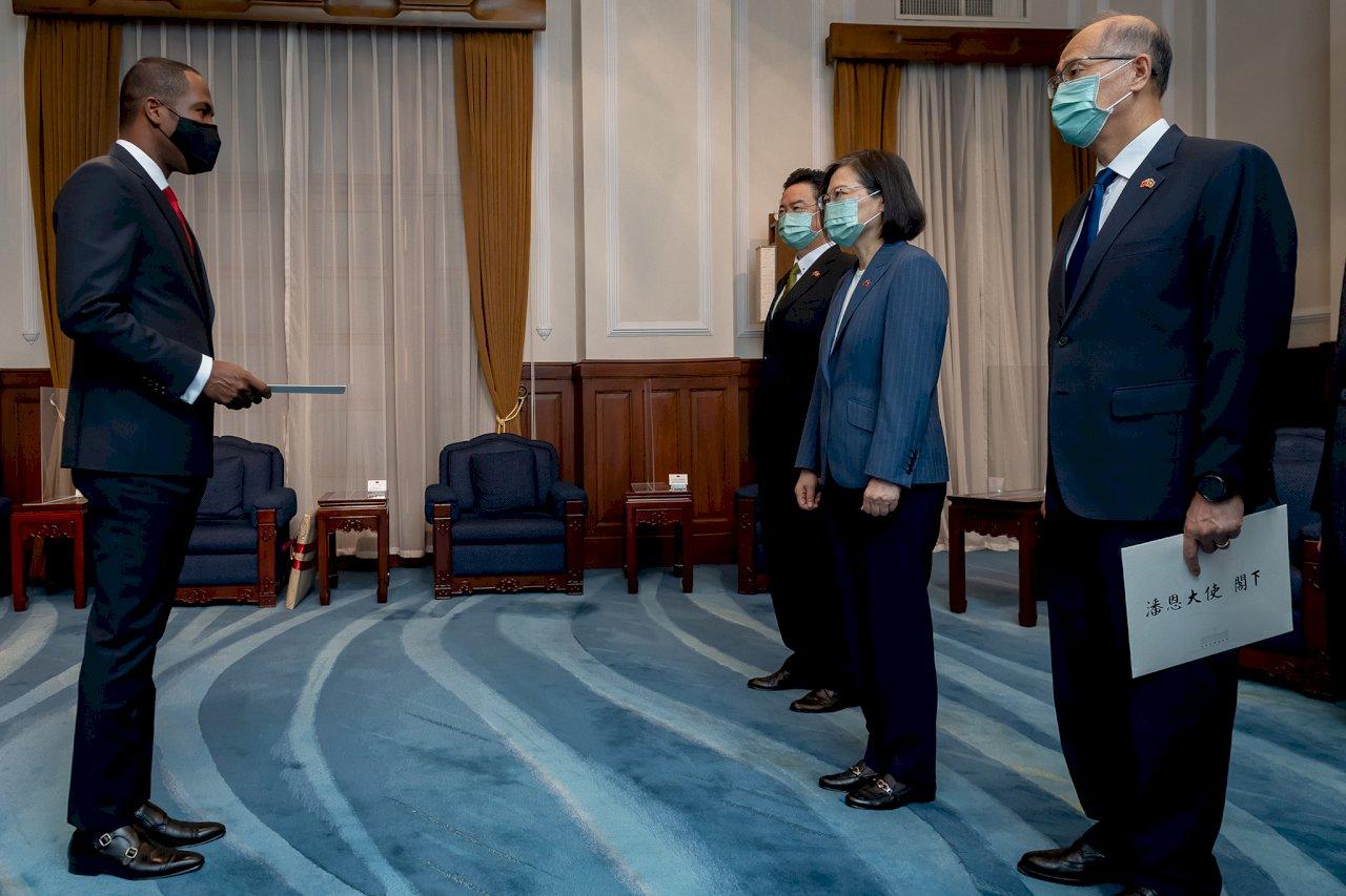 海地大使潘恩呈遞到任國書 總統:盼兩國持續深化夥伴關係