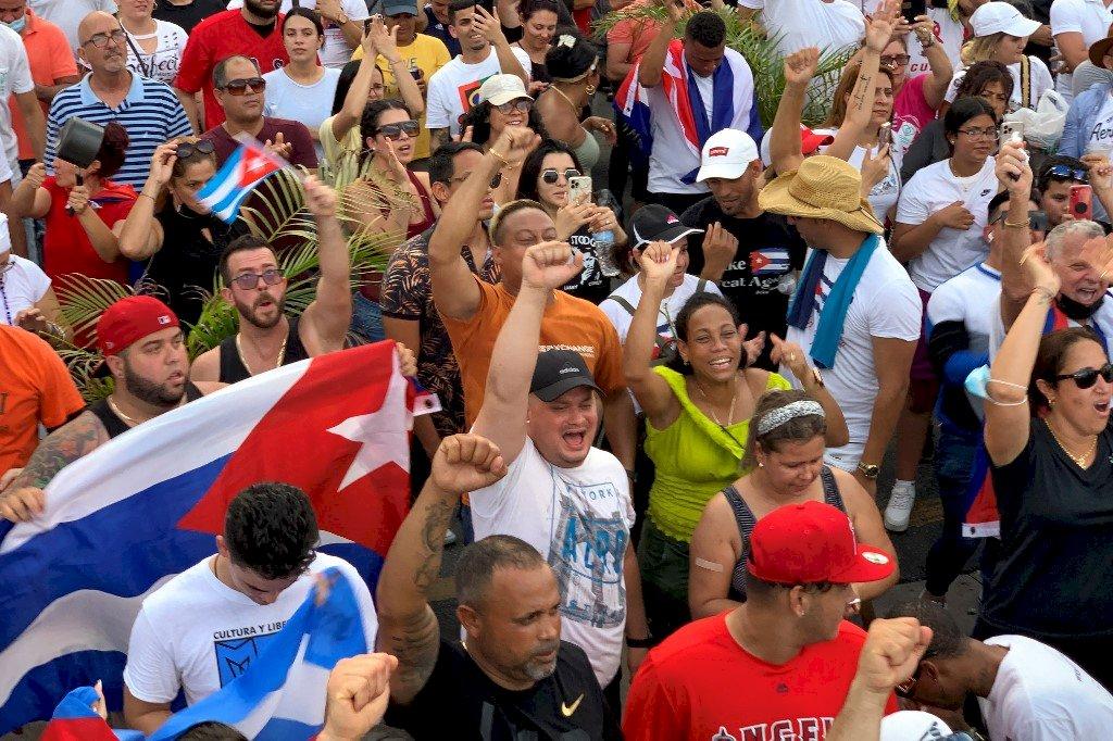 打倒共產主義! 美境內古巴人示威