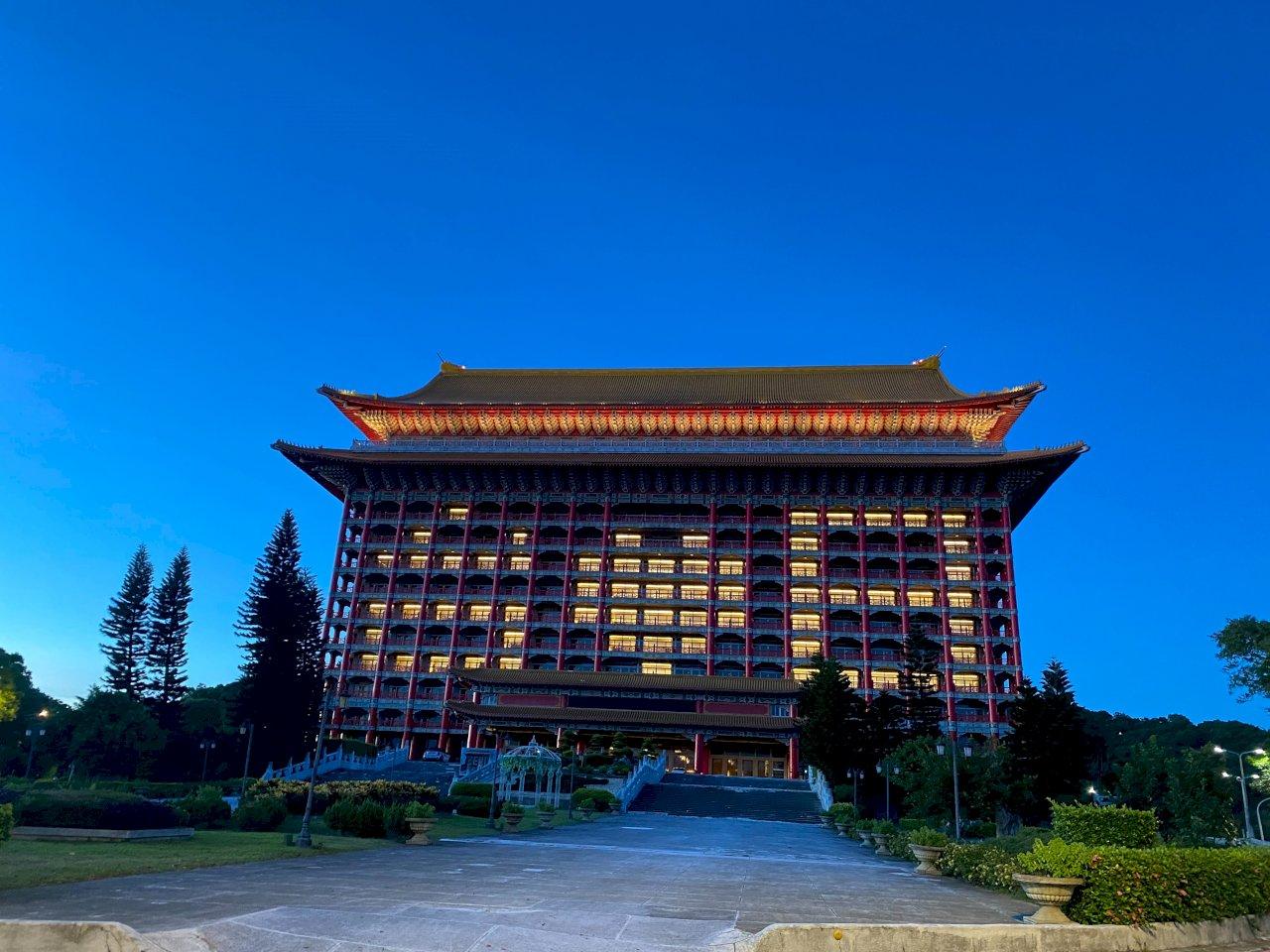 感謝日本三度捐贈疫苗 台北101、圓山飯店三度點燈致意