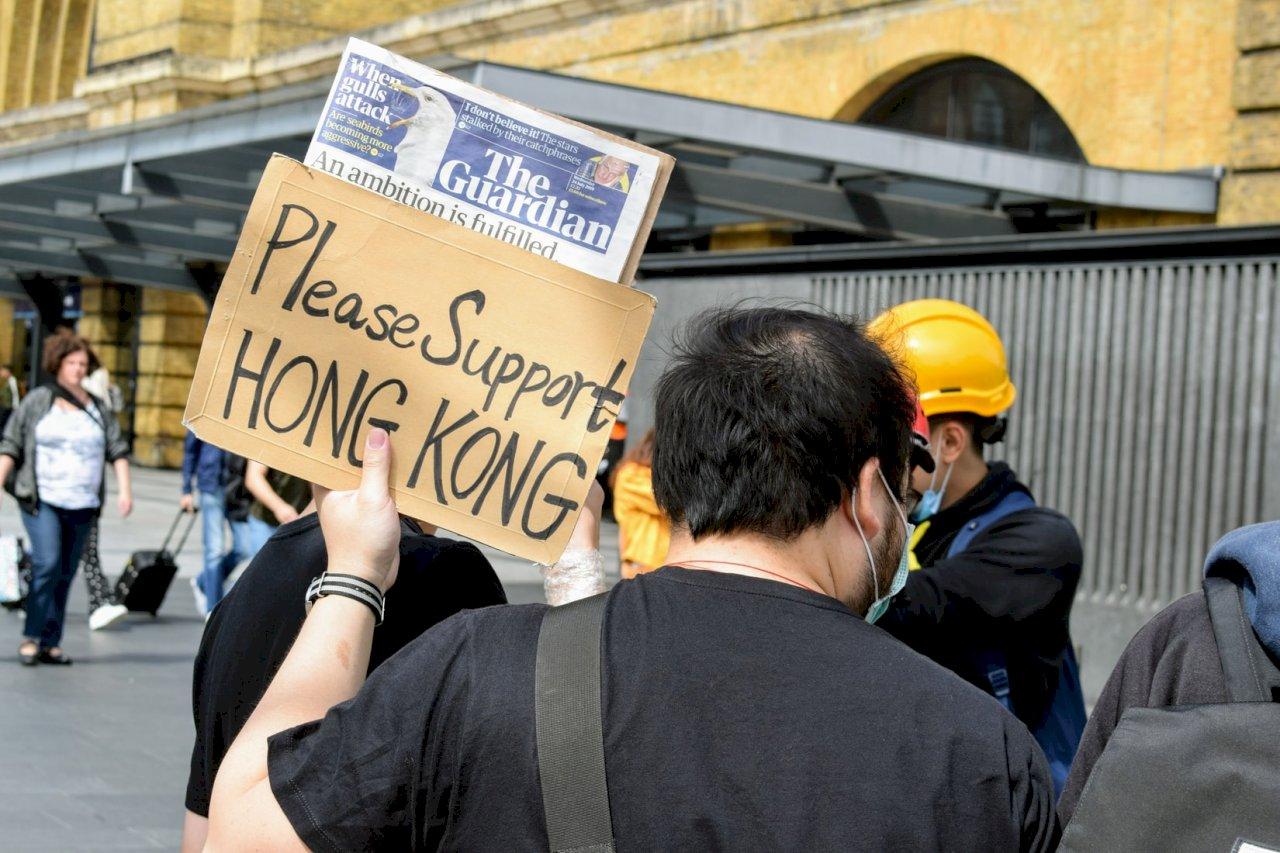 香港流失自由的眼淚 全球民主共生一命