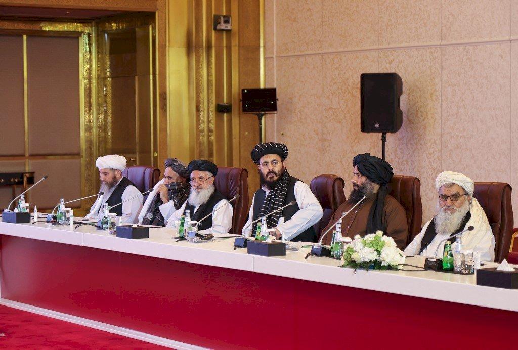 塔利班邊攻城略地 邊與阿富汗政府會談