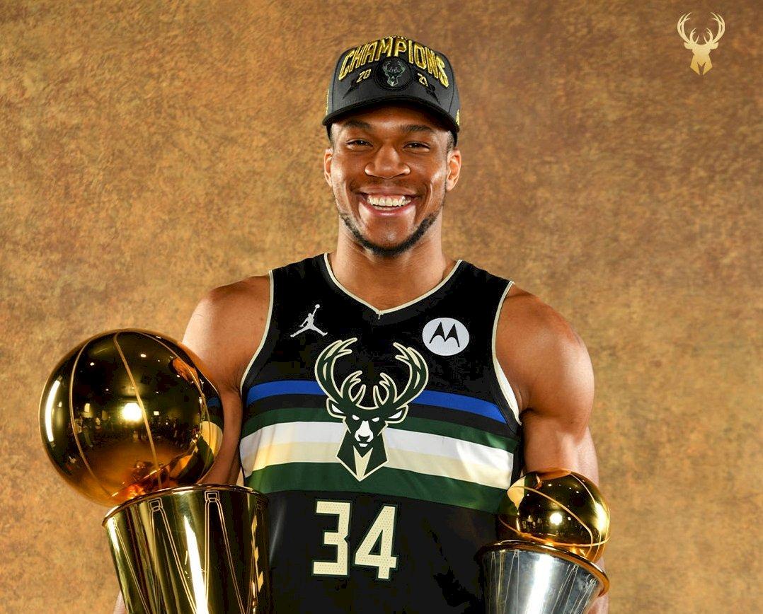 公鹿隊奪NBA總冠軍 安特托昆博母國希臘慶祝