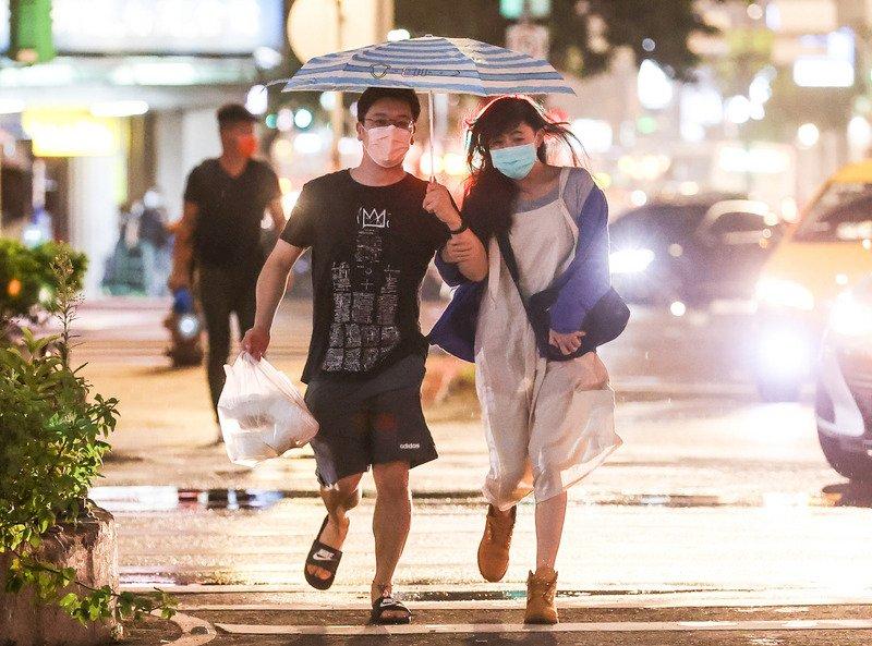 颱風外圍環流影響 北部山區防豪雨以上等級降雨