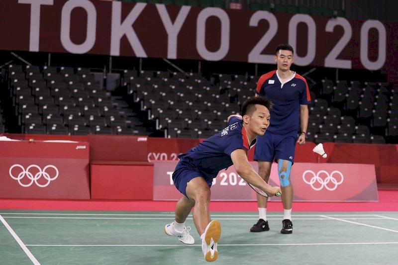 黃金羽球男雙王齊麟李洋擊退英格蘭  東奧預賽首度開胡