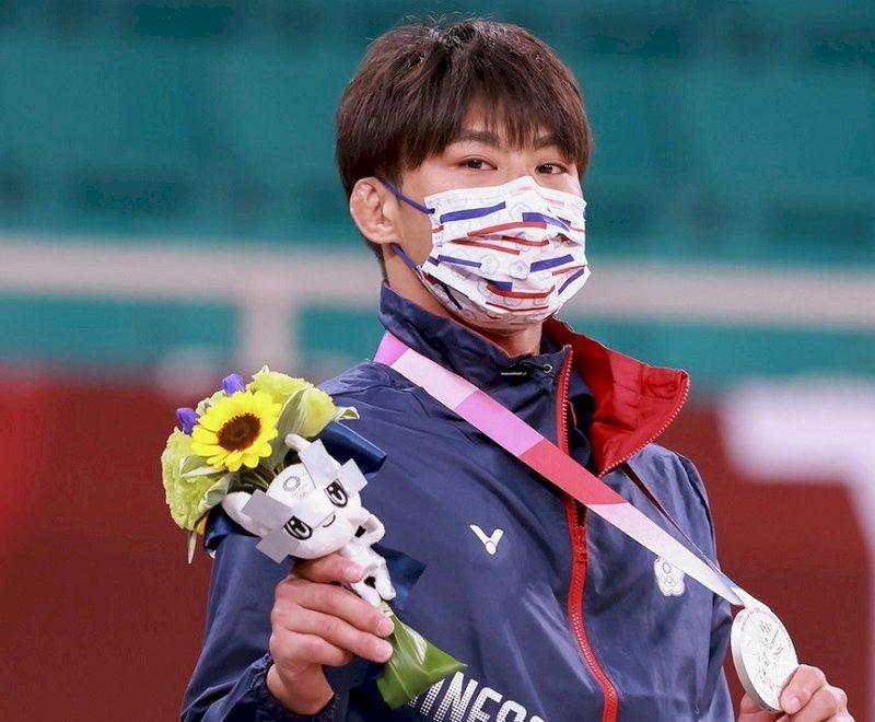 得獎也不例外 國際奧會重申頒獎台上須戴口罩