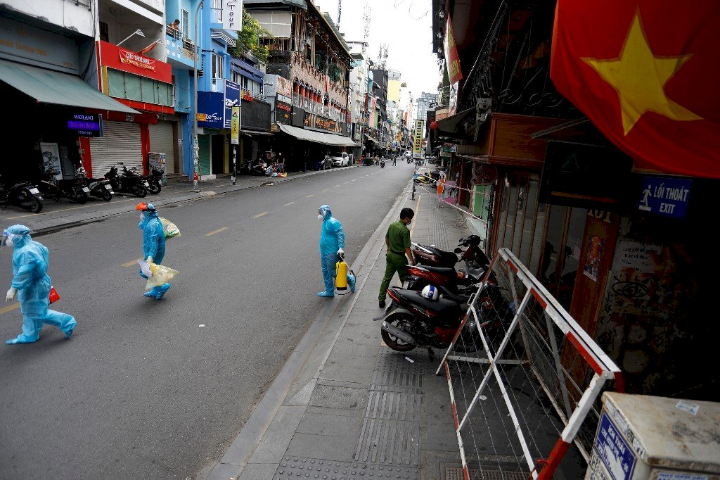 居家禁足令實施前夕 胡志明市市民瘋狂採買