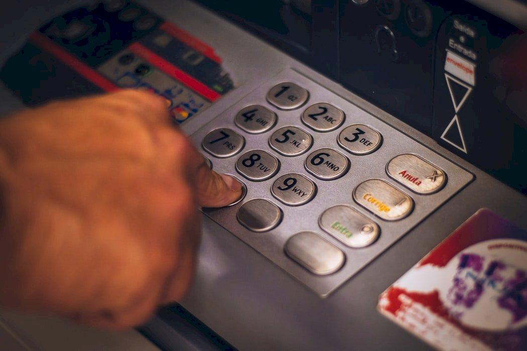 銀行數位帳戶衝破800萬戶 純網銀占比不到3%