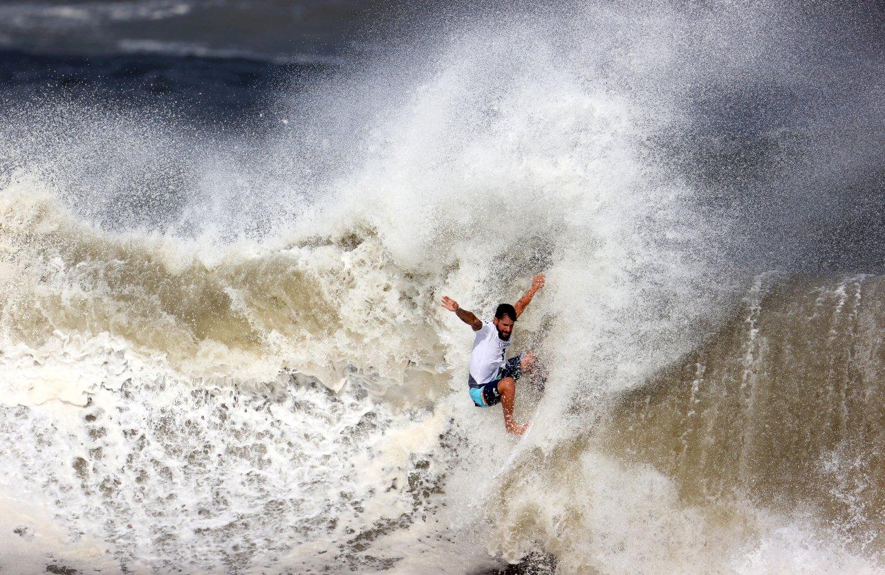 東奧新增衝浪賽 費瑞拉抱回巴西首金