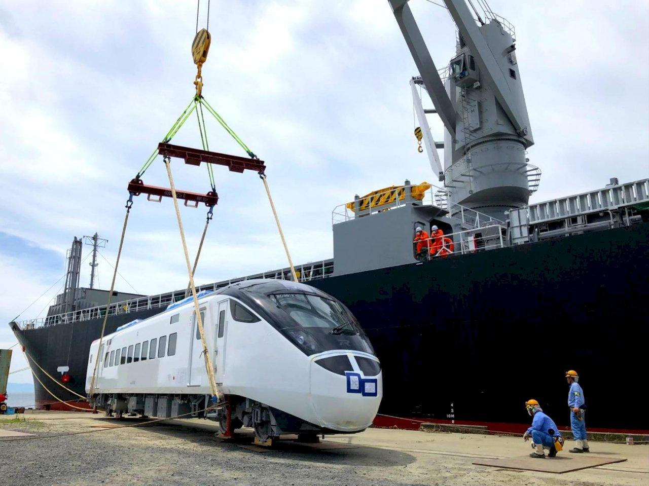 台鐵汰舊迎新 明EMU900、3000分抵台中、花蓮