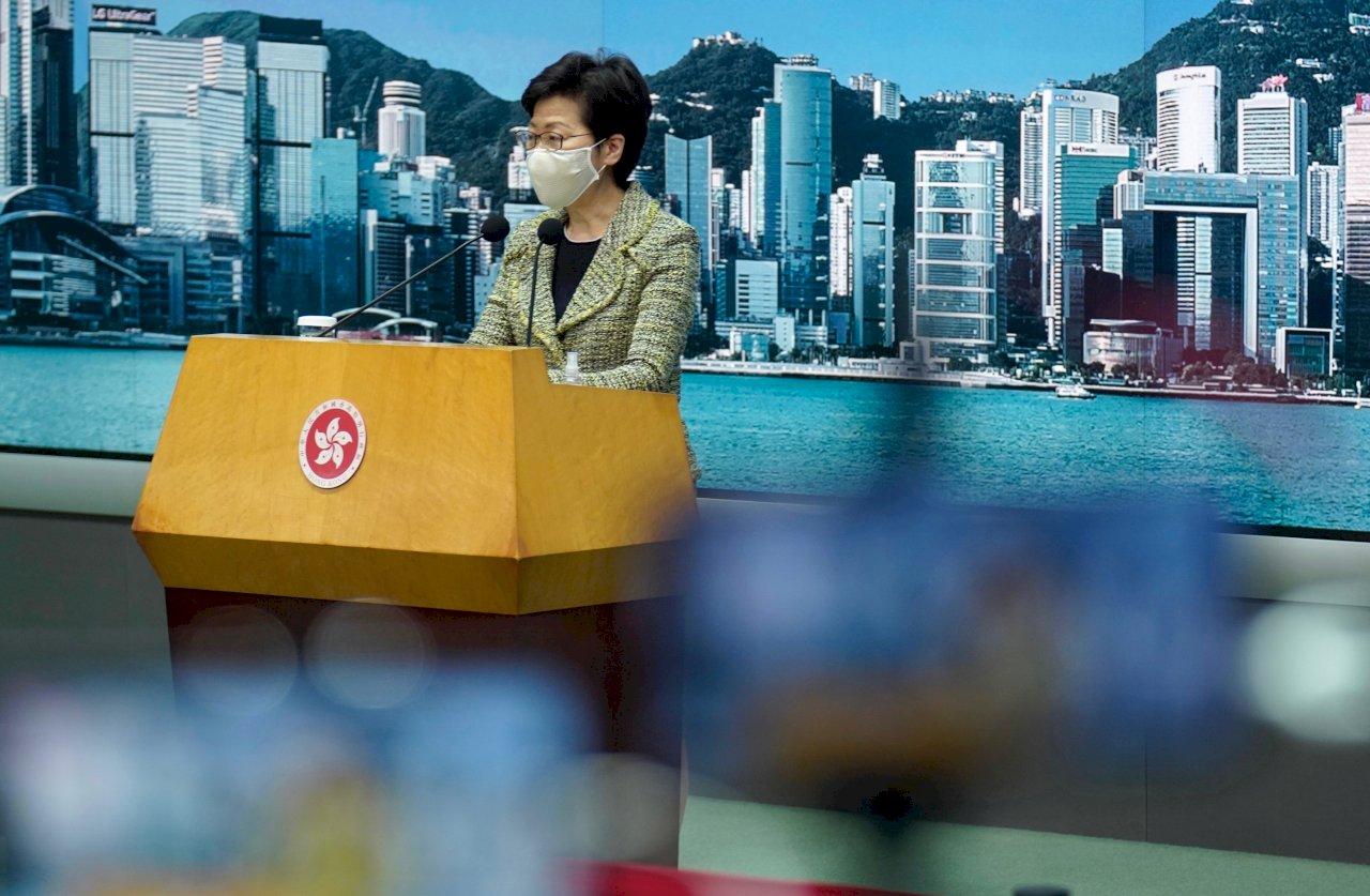 香港260名泛民區議員自行請辭