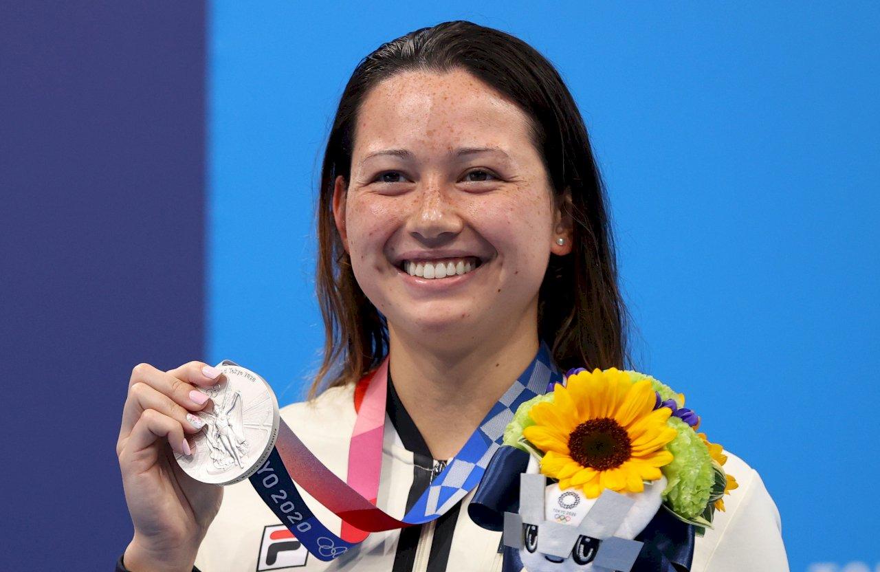 港何詩蓓東奧再創佳績 奪女子百公尺自由式銀牌