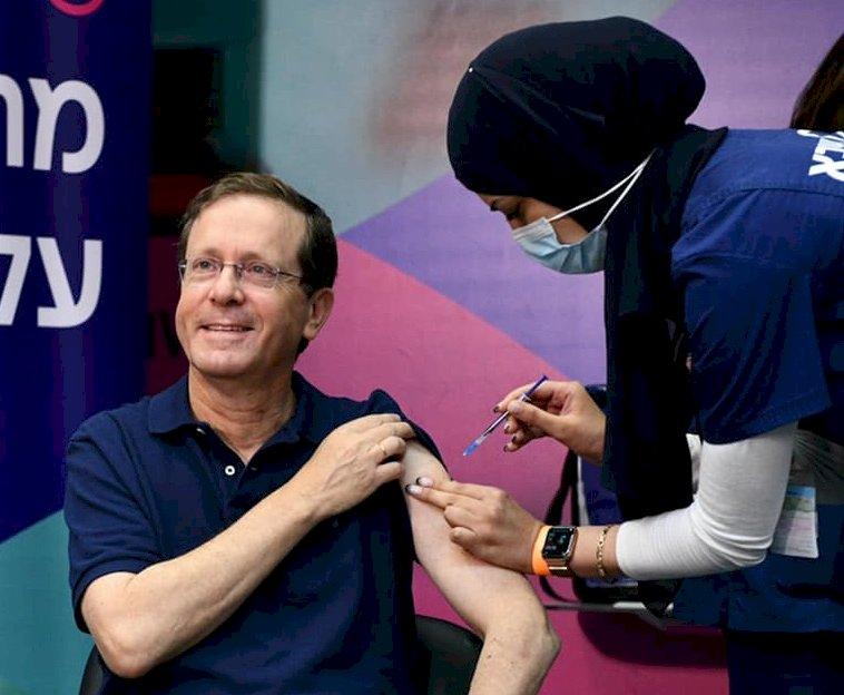 跑在全球之前 以色列總統接種第三劑疫苗