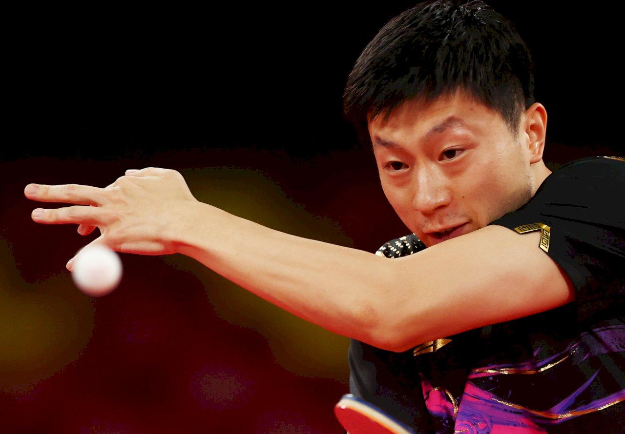 馬龍擊退球王樊振東 成為奧運桌球男單衛冕第一人
