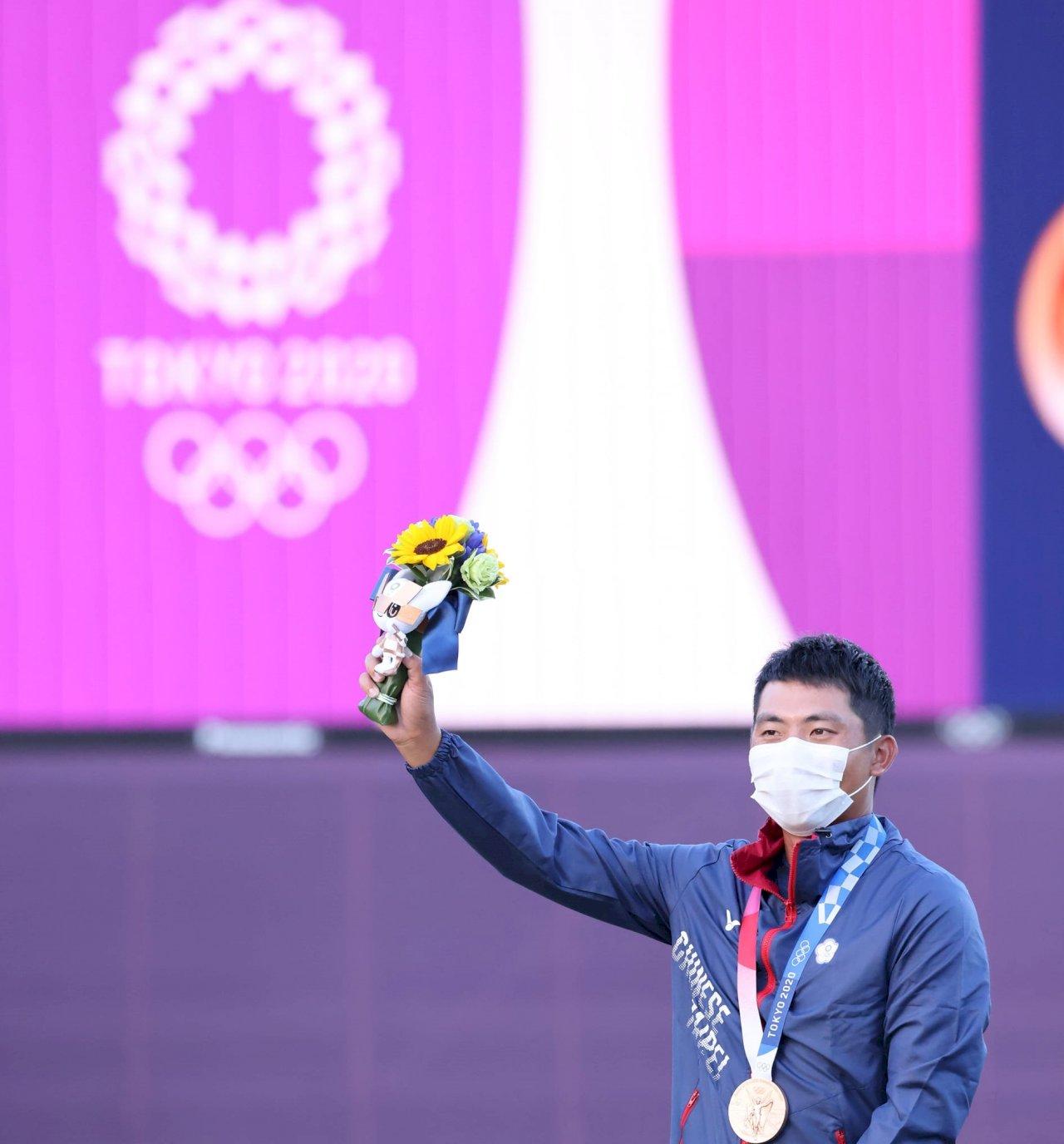 大驚喜!潘政琮神奇大反攻  奧運驟死賽勝出摘銅台灣高球第1人