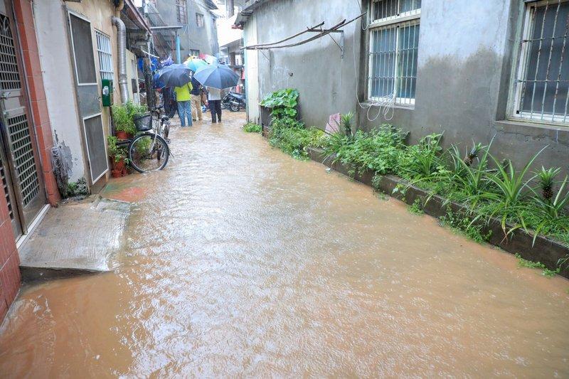 颱風外圍環流影響 中南部有陣雨或雷雨