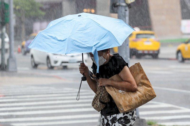 西南風持續影響 西半部留意大雨豪雨