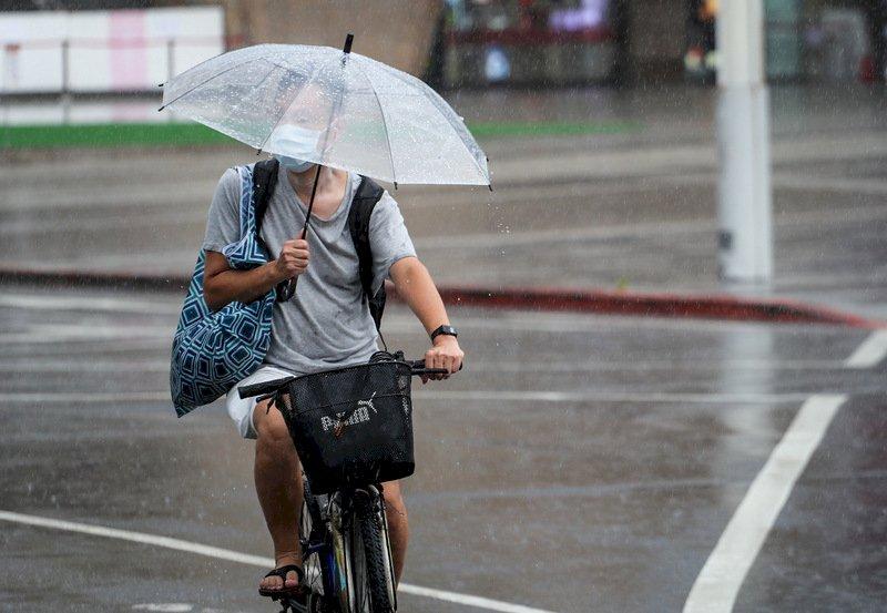 午後山區局部雷陣雨留意璨樹颱風動態