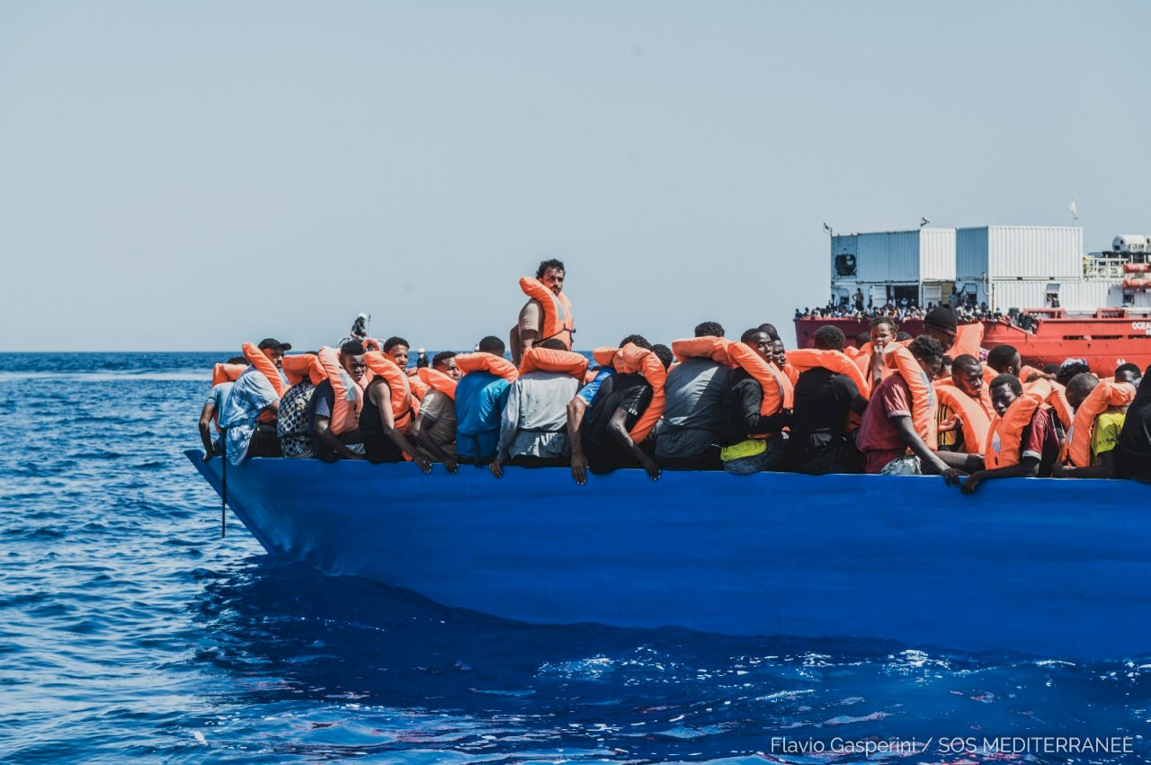 移民前仆後繼險渡地中海 救援團體兩天救起逾700人