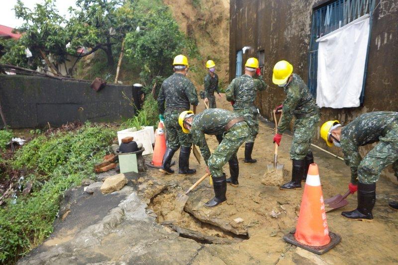 連日豪雨致災 國軍強化整備投入防救任務