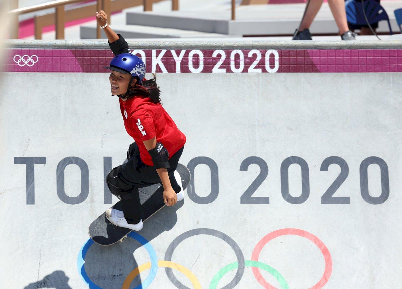 東京奧運女子滑板公園賽 日本選手穿金戴銀