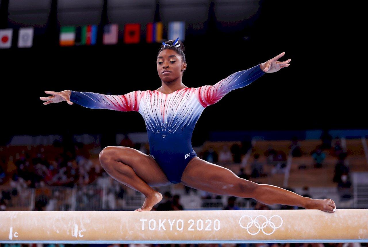 心理因素退賽後首登場 體操天后拜爾斯平衡木摘銅