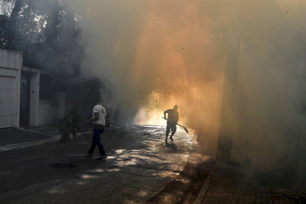 數千人逃離希臘野火 土耳其降雨紓解火勢